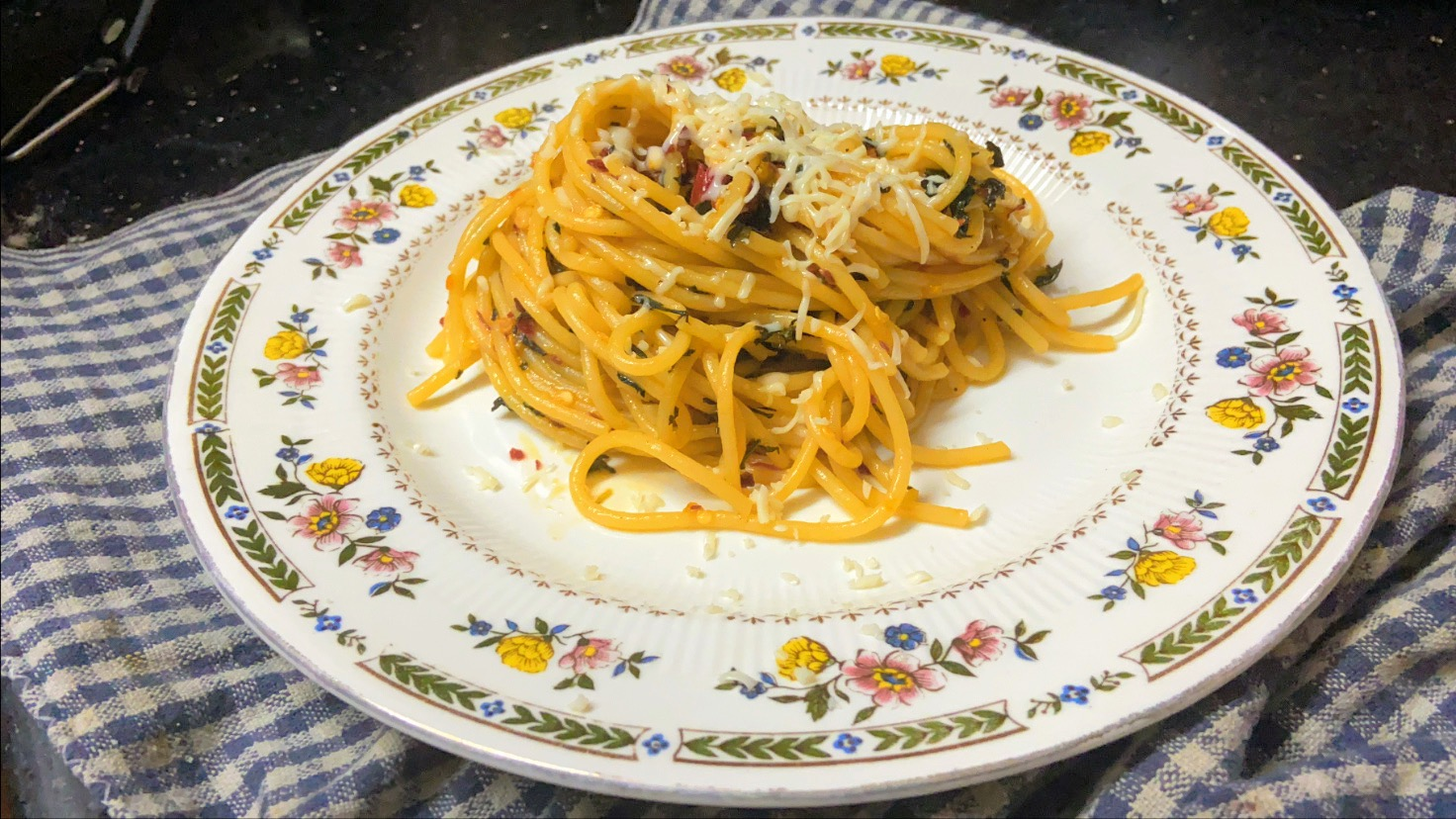 a soul food story. recipes, pasta recipes, spaghetti aglio olio. spaghetti pasta recipe